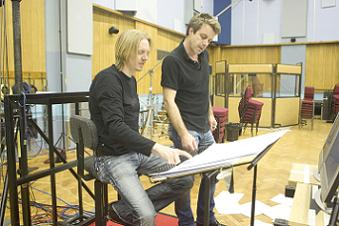 director_andrew_adamson_and_composer_harry_gregson-williams_41.JPG