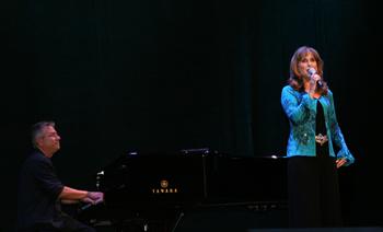 jodi-et-alan-au-piano.jpg