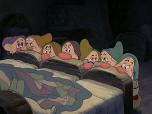 snow white dwarfs bed